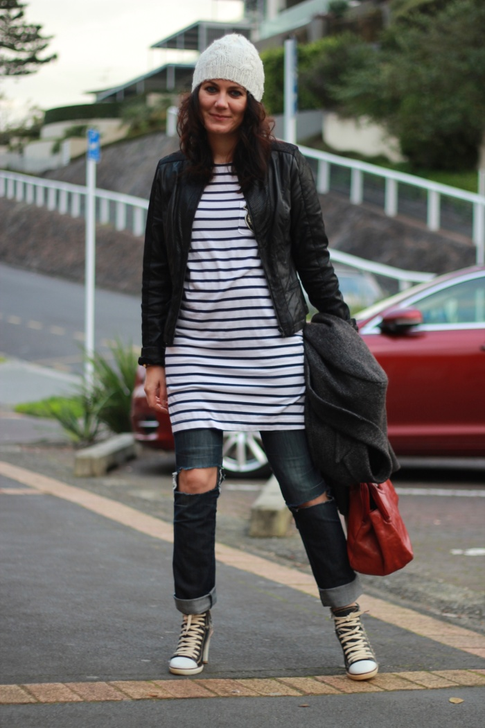 stripes, ripped jeans, heeled sneakers